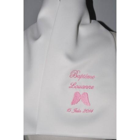 écharpe de baptême bébé aile d'ange personnalisée brodée rose fille
