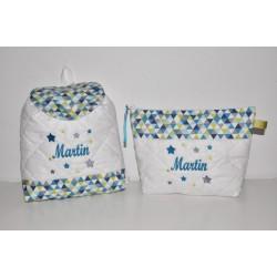 Box cadeau graphique:Trousse de toilette enfant ou adulte ou bébé ou ado étoiles brodéés personnalisées avec sac à dos