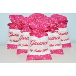 10 ballotins de dragées pochon personnalisée brodée rose fuchsia étoiles pour baptême,mariage,communion