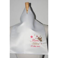 écharpe étole de baptême ange et étoiles personnalisée brodée pour garà§on ou fille
