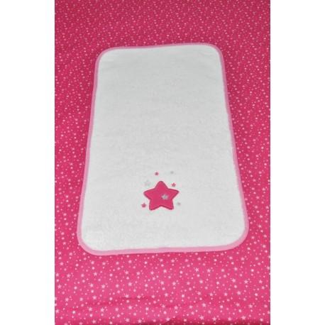 housse matelas à langer personnalisé  avec  lange/serviette étoiles brodés rose fuschia étoilé
