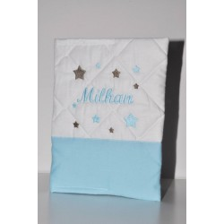 cadeau naissance: protège-carnet de santé bleu layette brodé étoiles bleu/taupe personnalisé au nom