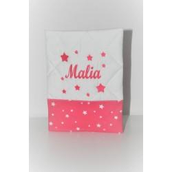cadeau naissance: protège-carnet de santé étoile rose fuchsia brodé personnalisé au nom