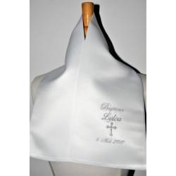 écharpe de baptême bébé croix personnalisée brodée argenté garà§on ou fille