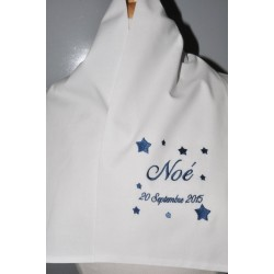 écharpe/étole de baptême bébé/enfant étoiles personnalisée brodée bleu foncé garà§on ou fille