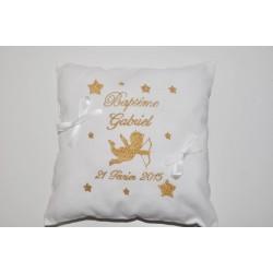 coussin baptême porte-bijoux ange et étoiles personnalisé brodé avec prénom avec date