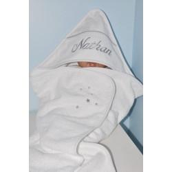 prénom cape de bain / sortie de bain bébé grise personnalisée avec étoiles et prénom brodés