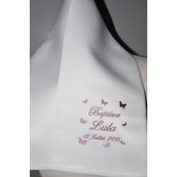 écharpe de baptême enfant papillons personnalisée brodée pour garà§on ou fille (ici violet rose)