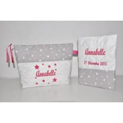 Box cadeau naissance: protège-carnet de santé avec trousse de toilette étoiles gris personnalisé brodé au nom