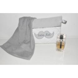 noël box cadeau pour lui:Trousse de toilette moustache personnalisée avec  sa mini serviette